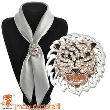 2016 Brooches Pin And The United Scarf Buckle Wholesale New Personalized Color Plated Tiger Head Zircon Brooch With Two Drip