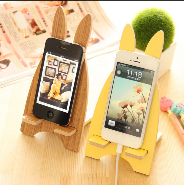 Wooden Mobile Phone Stand Holder for Samsung Galaxy S7 edge S6 S5 S4 S3 Neo Note 5 4 3 A5 A3 J1 Bracket Rabbit Wood Phone Socket