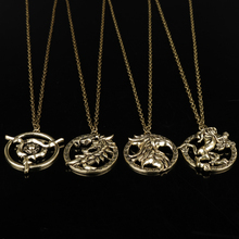 MQCHUN The Elder Scrolls V Skyrim Pendant Necklace Vintage Game of Thrones Lannisters Lion Dragon Charm Necklace For Mens Gifts(China)