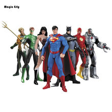 7pcs/lot DC Comics Superheroes Wonder Woman Justice League Superman Batman The Flash Green Lantern Aquaman Cyborg PVC Figure Toy