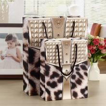 Animal Print Paper Bags Lamination PP Rope Handle Shop Cloth Boutique Business Present Packing Bags Custom Gift Punches