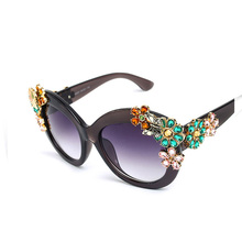 Fashion Sunglasses Women Popular Brand Designer Coggle Style Sun Glasses For Women Lady Glasses Female Flowers Shades UV