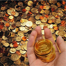 50Pcs Plastic Pirate Gold Coins Pirate Theme Party Prop Children Toys Coins Halloween/Christmas Decoration Game Currency 7ZHH204