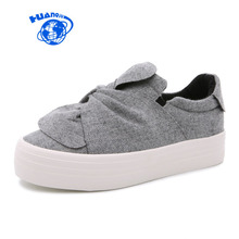 HUANQIU Women Canvas Shoes 2017 New Famous Brand College Students Casual Shoes Bow Butterfly Knot Gray Slip on Leisure Shoes(China)