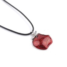 Fashion Necklace Regina Mills One Bite Red Poison rotten Apple Pendants Necklace Charm Necklace Collar Women Accesorios Mujer