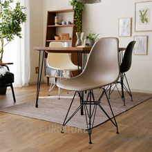 Minimalist Modern Design Plastic and black metal Leg Dining Side Chair Simple Design black cafe loft leisure chair modern chair