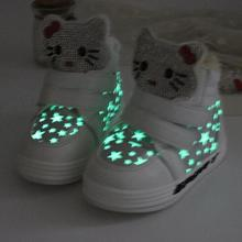 Retail 2017 Fall / Winter New Hello Kitty Shoes, Sneakers Girls Baby Cartoon Cat Diamond Boots Thick Plush Baby Thermal Shoes(China)