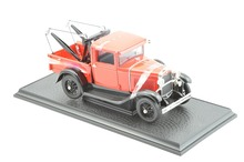 Ford Model A Tow Truck Baujahr 1931 rot 1:18 Signature Models