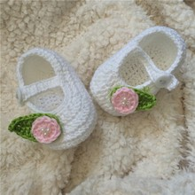 QYFLYXUE- Crochet Baby shoes Summer baby newborn infant shoes Green and white knit crochet photo prop