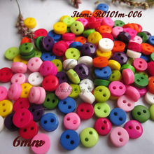 200pcs 6mm 1 / Mixed colors 2 holes round mini resin buttons craft scrapbooking accessories diy sewing buttons wholesale(China)