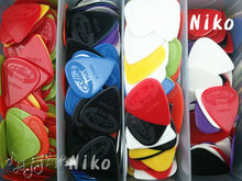 Lots of 100pcs Alice Projecting Nylon Acoustic Electric Guitar Picks Plectrums(Assorted Thickness&Colors) FreeShipping