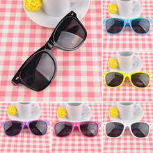 Hot Sale Unisex Sunglasses Vintage Retro Eyeglasses UV Protection Fashion Stylish Eyewear Free Shipping