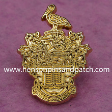Customized die casting without enamel 2D pin with crane and crown