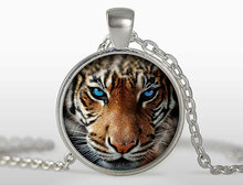 2017 new hot Tiger Pendant Tiger Necklace Silver plated pendant Tiger Animal Jewelry Silver Chain Necklace HZ1