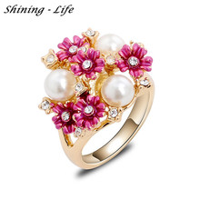 Hot Sale Fashion Fine Jewelry 2 Color Gold Color Big Wedding Ring For Women Vintage Austrian Crystal Pearl Flower Ring