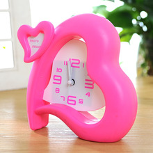 2016 Newest High Quality Red Pink Heart Shape Plastic Alarm Clock Home Decoration Table Clock With Small Photo Frame Gift