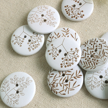 Handicrafts wooden buttons DIY laser carved wooden buckle button sewing supplies