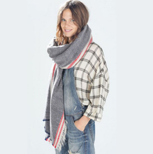 2017 Popular Pashmina Fashion Twill Shawls Scarves Pure Grey Red Stripe Poncho High-grade Scarf Women Inverno Echarpe
