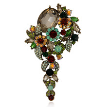 Elegance Crystal Rhinestone Flower Brooch Pin Women Garment Large Size Fashion Vintage Jewelry Gift 2017(China)