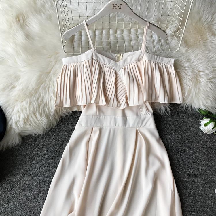 2019 Spring Women Chiffon Pleated Braces Sling Spaghetti Strap Goffer Long Dress Ladies Ruffles Empire Drapped Swing Slip Dress 195