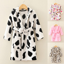 Hot 2017 Fall Little Kids Coral Fleece Bathrobe Children's Printing Nightgown Robe Boys & Girls Household Clothes Nightdress A88