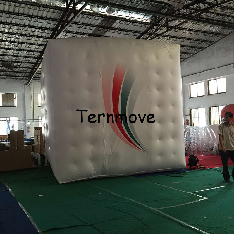 inflatable helium cube1