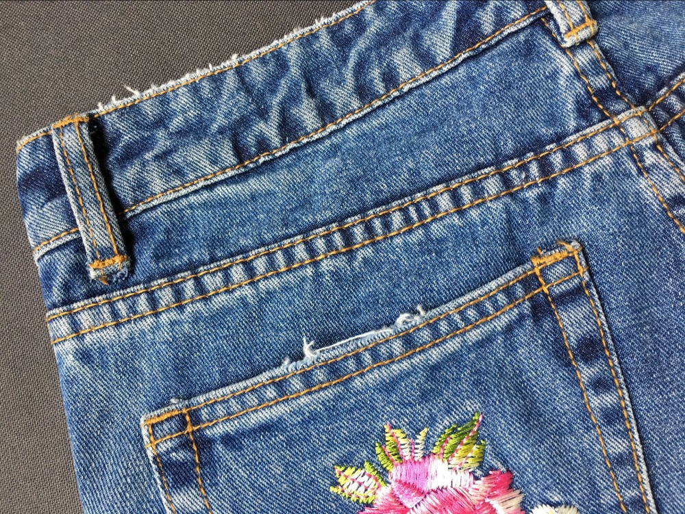 2017 Europe and the United States women's three-dimensional 3D heavy craft bird flowers before and after embroidery high waist Slim straight jeans large code system 46 yards (32)