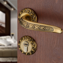 High-top European hardware door locks Indoor wooden locks Yellow bronze bedroom mute split handle locks Silent mechanical locks
