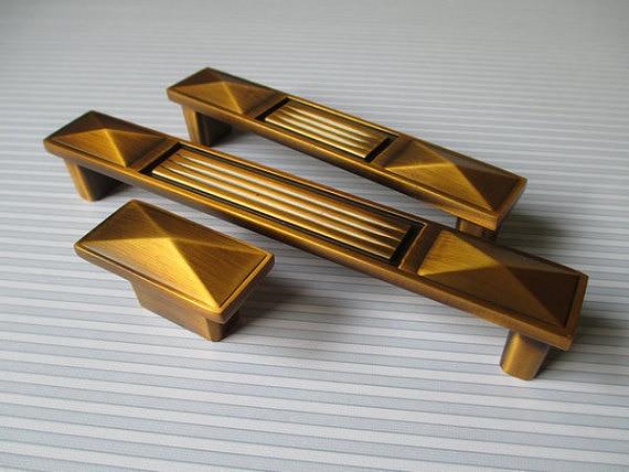 Dresser Knobs Pull Handle Drawer Pulls Handles Knobs Antique Brass / Square Cabinet Handle Pull Knob / Vintage Furniture Door<br><br>Aliexpress