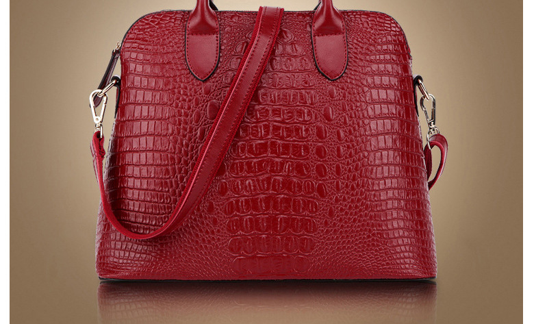 Ladies trend crocodile pattern portable large capacity diagonal shoulder bag shell shell European and American style leather big