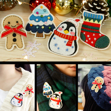 4Pcs/Set Felt DIY Fashion Girl Sweater Brooches Christmas Style Kids Cute Badges Clothes Pins Handmade Felt DIY Package Set(China)