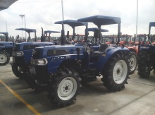 Chinese Farm Agriculture Tractor 40hp Manufacturer Tractor Price(China)