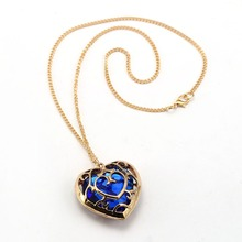 HSIC New Fashion Legend of Zelda Necklace Blue Red Crystal Heart Pendant Lovers Couple Necklace For Zelda Fans HC12233