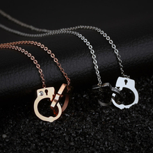 2017 Stainless Steel Jewelry Necklace Handcuffs Pendants Necklaces For Men And Women Jewelry link chain lovely necklace