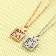 "2016 Newest Popular High-end top quality Silver\rose\ chains Jewelry, Hollow perfume bottle ""5"" flower Pendants & Necklace"