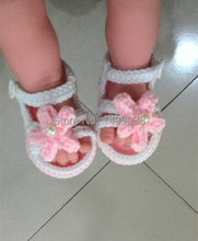 2017 New design Crochet Cotton shoes for girls Baby Crochet Shoes  Knitted Footwear  First walkers 2 differents shoes a lot