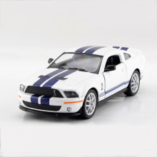 Mustang Shelby GT500 SVT White 1/38 alloy model car Sports car Diecast Metal Pull Back Car Toy For Gift Collection