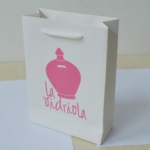 200pcs/lot 21*15*6cm hot-selling white kraft paper bag custom pink printing with handle(China)