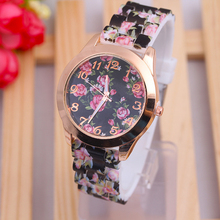 Women Watches 2017 Casual Watch Top Brand Geneva Clock Girl Flower Analog watches Silicone Rubber Relogio Female