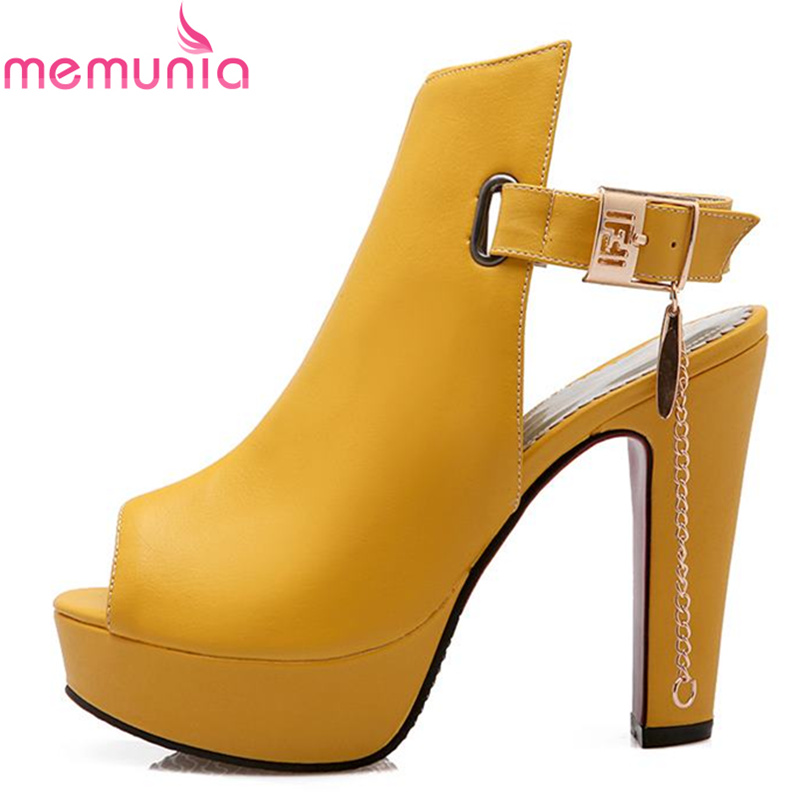 2017 new high quality peep toe slingback women sandals thick high heels yellow black summer boots tassel fashion female shoes<br><br>Aliexpress