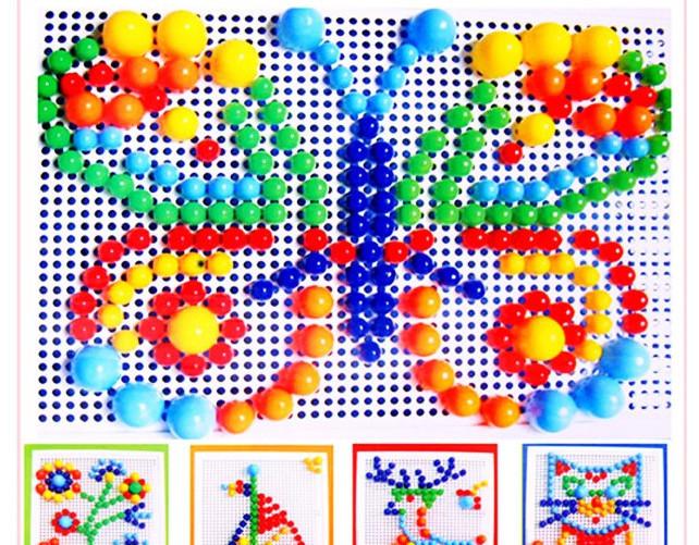 Borboleta, navio, flores, alce e gato feitos com o mosaico criativo.