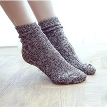 Retro Style Mix Color Wool Knit Socks for Female Winter Thick Warm Women's Fashion Snowflakes Leisure Casual Socks