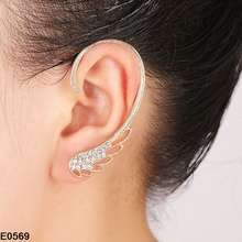 2017 Hot High Quality Silver Earrings Feather Design Rhinstone Ear Cuff Warp Clip Earring Fashion Jewelry Gift For Women Girls