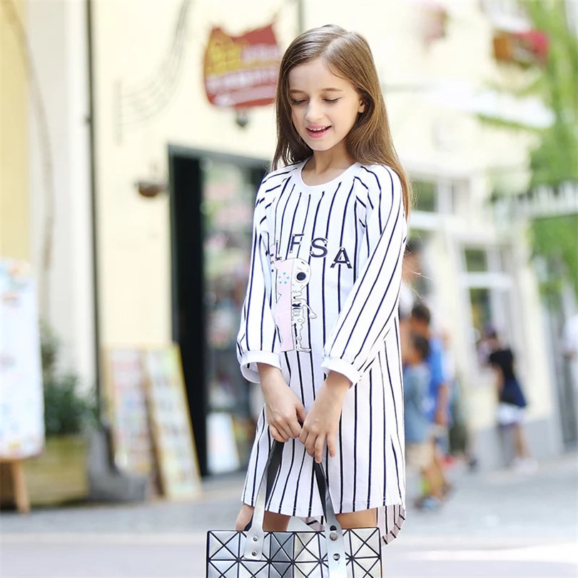 Early autumn stripe loose Princes girl wearing long-sleeved clothes fashion children childrens princess dress cute girl<br>