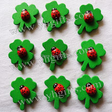 50PCS/LOT,Ladybug on clover stickers,Craft material,Garden decoration,Scrapbooking kit,Kids toys,Easter crafts.2.5x3cm.Wholesale