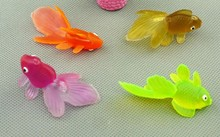 5cm Plastic marine animal model simulation ornamental fish Super Meng small goldfish toy model 10pcs/lot(China)