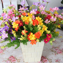 2 Pcs\lot Silk Artificial Chrysanthemum Flowers With Green Leaves For Home Room  Supplies Decorative Flowers X-801