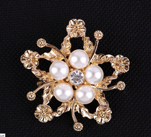 New fashion brooches for women Stunning Wedding Bridal gold and Silver Flower Diamante Faux Pearl Brooch Pins
