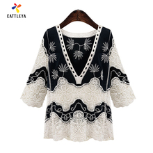 Xl-4XL Plus Size Hollow Out Ethnic Lace Top Loose V Neck Flower Crochet T Shirt Casual Three Quarter Lace Shirts 2017 Autumn
