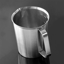 700ml Top Quality Stainless Steel Milk Frothing Pitcher Measuring Cup with Marking with Handle